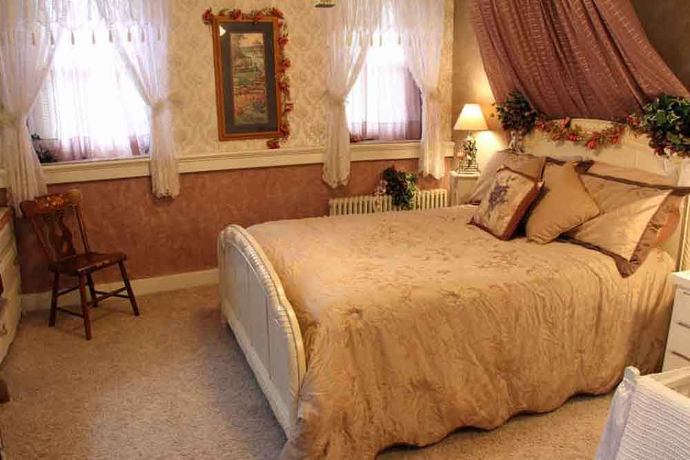 Bedrooms at Iron Stone Acres Farm Bed and Breakfast Lancaster PA