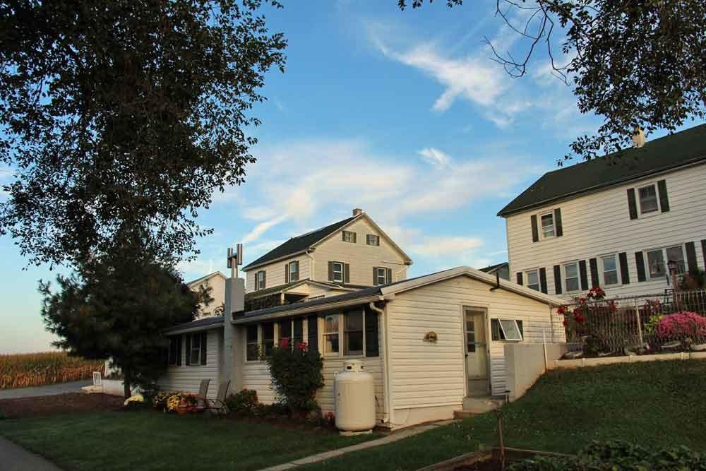 Lancaster Amish Farm Stay
