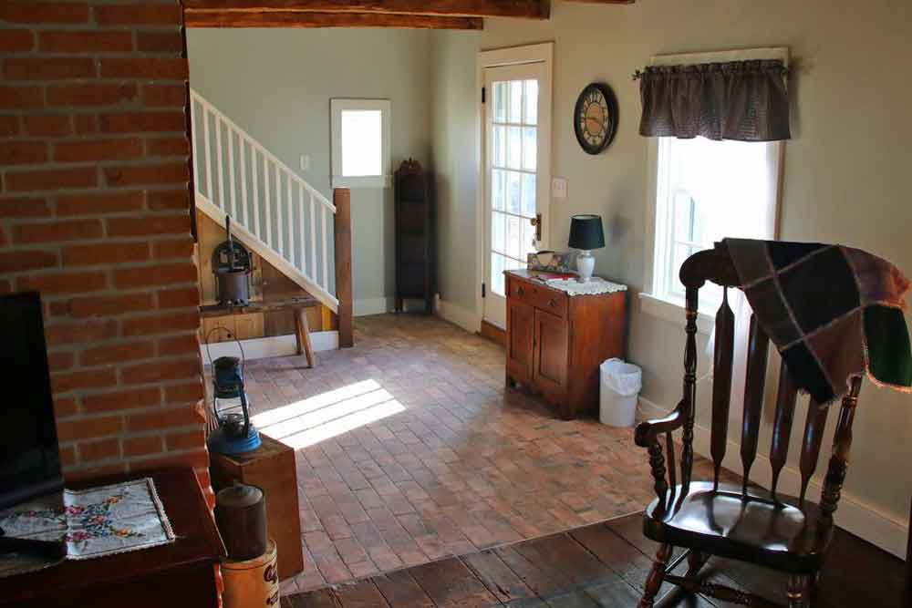 Lancaster PA cottage rental
